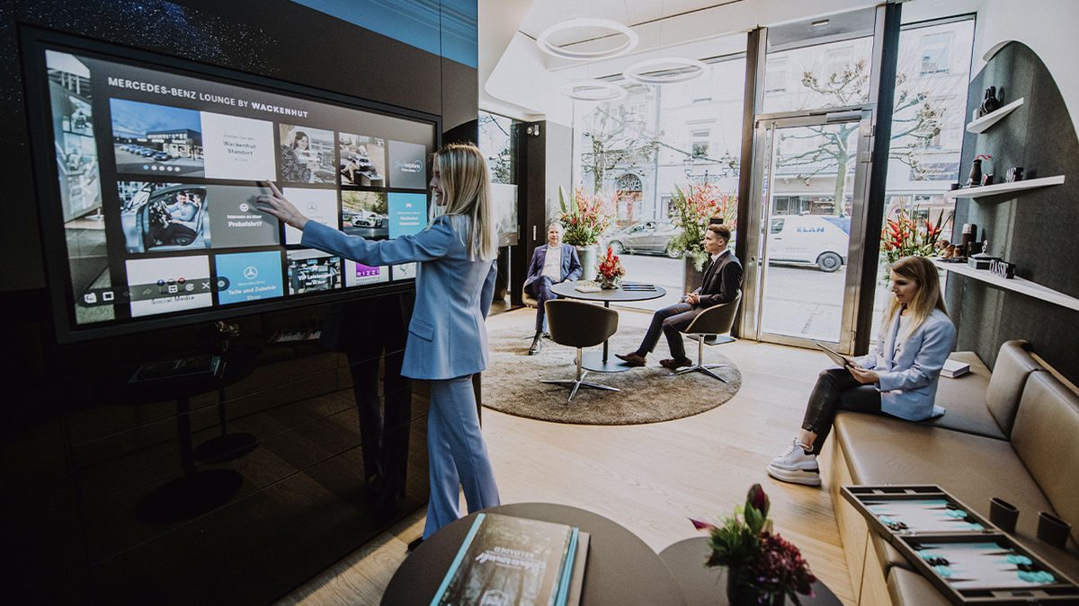 Mercedes-Benz Lounge and experience center